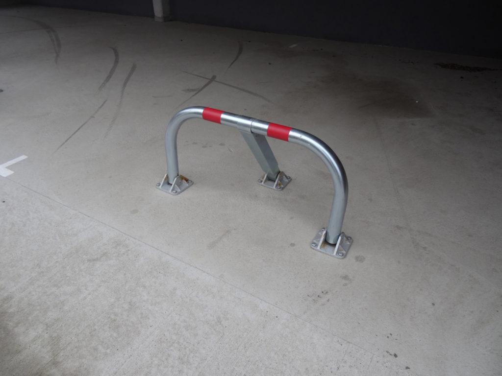 Arceau de parking en position fermée