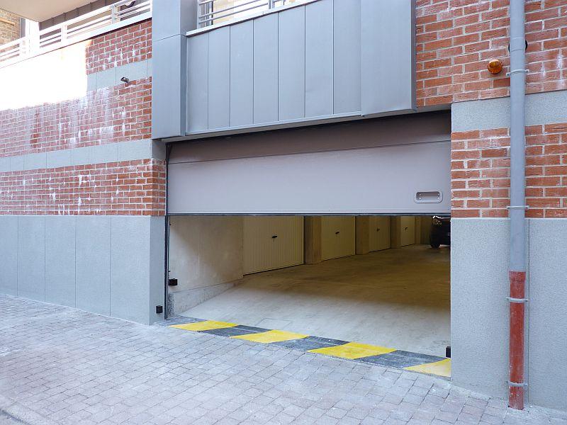 Porte de parking sectionnelle à panneaux