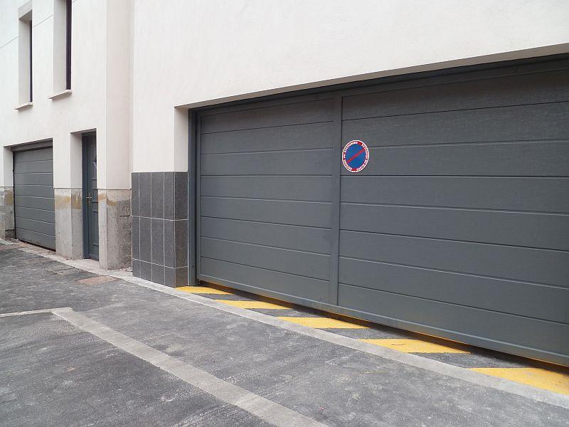Porte de parking grise