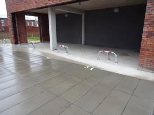 Arceau de parking sur dalle béton